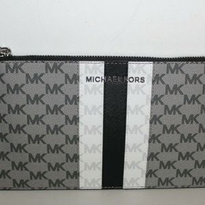 MICHAEL KORS CENTER STRIPE LG ZIP CLUTCH  WRISTLET